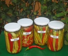 Reteta culinara Ardei iuti in otet din categoria Conserve. Cum sa faci Ardei iuti in otet Pickling Cucumbers, Conservation, Pickles, Carrots, Diy And Crafts, Food And Drink, Vegetables, Cooking, Party