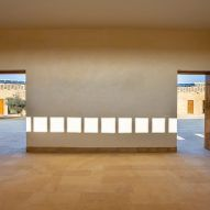 Diana Kellogg Architects creates oval-shaped girls school using local stone