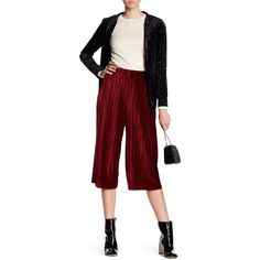 BCBGeneration Pull On Velvet Gaucho Pants (€35) ❤ liked on Polyvore featuring pants, capris, wine red, velvet pants, stretch waist pants, elastic waist pants, pull on pants and red velvet pants