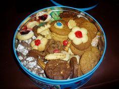 Cakes/cookies/koeke/kleinkoekie – Page 2 – Kreatiewe Kos Idees South African Recipes, Cake Cookies, Cupcakes, Cookie Recipes, Biscuits, Sweet Tooth, Oatmeal, Recipies, Muffin