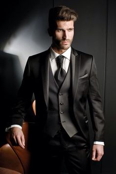 2015 Custom Made Groom Tuxedos Black Formal Suits Wedding suits Groomsman Suit Mens Suit (Jacket Pants Tie Vest) Bridegroom Suit - Man Fashion Groom Tuxedo, Tuxedo For Men, Modern Tuxedo, Tuxedo Suit, Mode Masculine, Mens Fashion Suits, Mens Suits, Male Fashion, Groom Fashion
