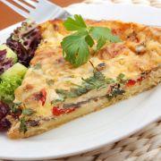 Przepisy kulinarne Fritatta z łososiem Diabetic Living, Quiches, Baked Banana, Greek Recipes, Vegetable Pizza, Diabetes, Herbalism, Oatmeal, Veggies