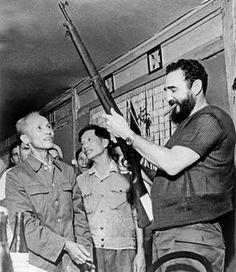 From precocious schoolboy, to revolutionary guerrilla to world statesman, the life of Fidel Castro of Cuba has been a colourful one Fidel Castro, Castro Cuba, North Vietnam, Vietnam War, Havana, Viva Cuba, Ernesto Che Guevara, Vietnam History, Renaissance Men