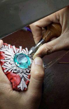 photo KAT-FLORENCE-paraiba-tourmaline-necklace-final-set-madeofjewelry_zpsmt9oxmyc.jpg
