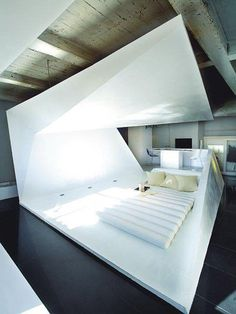 Folded Crib by G&R Studio