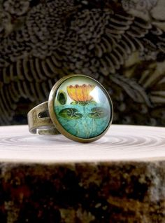 Water lily ring, Art nouveau ring, Picture ring, Glass dome jewelry, Statement ring, Antique bronze jewelry, Gift for her, Glass ring