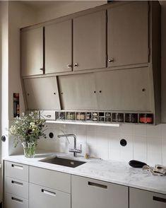 Loft Kitchen, Home Decor Kitchen, Home Kitchens, Cafe Interior, Kitchen Interior, Home Decor Items, Cheap Home Decor, Design My Kitchen, Kitchen Nightmares