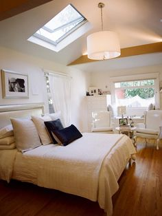 Fabulous Bedrooms Design Prepared for Maximum Comfy : Chic Traditional Bedroom Design With Skylight Widnwo And Fancy Pendant Lamp Traditiona...