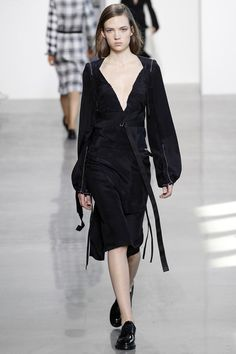 Calvin Klein Collection Fall 2016 Ready-to-Wear Collection Photos - Vogue