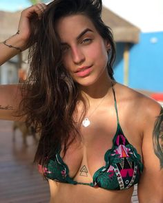 New piercing ombligo minimalista ideas Cage Tattoos, Key Tattoos, Finger Tattoos, Unique Tattoos, Body Art Tattoos, Girl Tattoos, Tattoos For Women, Tatoos, Discret Tattoo