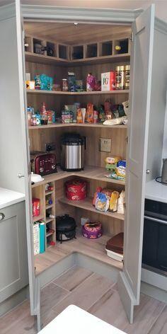 Kitchen Pantry Design, Diy Kitchen Storage, Modern Kitchen Design, Home Decor Kitchen, Interior Design Kitchen, Home Kitchens, Kitchen Furniture, Smart Kitchen, Shaker Kitchen