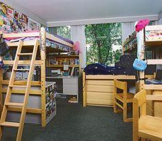 Tripple Bunk Bed Corner