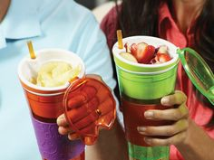 Snackeez - drinking mug and snack bowl in one! $15 on CoolStuff.se