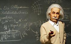 30 Albert Einstein Q