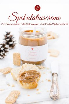 Spekulatiuscreme - Brotaufstrich zum Selberessen oder als Geschenk! Christmas recipes, spread recipes: Gifts from the kitchen are wonderful! With this recipe for a speculoos cream you can make y Kitchen Gifts, Cupcakes, Cream Recipes, Food Gifts, Christmas Cookies, Christmas Gifts, Cookie Recipes, Oreo, Biscuits