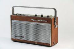 http://img0117.popscreencdn.com/162997227_telefunken-radio-bajazzo-de-luxe-holz-metall-1960.jpg