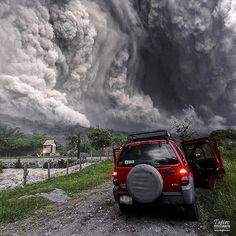 When you are in front of a Pyroclastic Flow of a volcano there are certain things you should know. First you are living one of the most dangerous moments in your life. It's your choice to run or hide or document the amazing power of nature. I chose to stay and take pictures. July 10 2015 Pyroclastic Flow with my jeep 5.5 Miles away from Colima Volcano crater Mexico. Photo and story by @tapiro