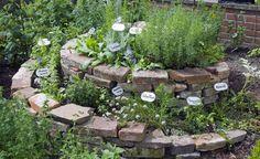 Die Kräuterschnecke schafft ein schön natürliches Ambiente
