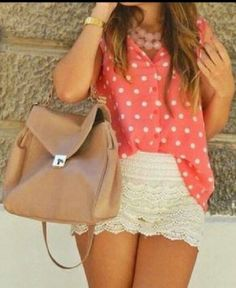 I love this outfit (BTW, it's not me in the pic it's my friend.)