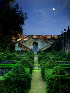 Moon Garden Parc del Laberint d'Horta - Barcelona- Just look at those hedges!