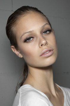 powerful-art:  Model: Jessica Clarke @ ClyneCollection: Lanvin...