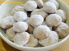 Abóbora Menina: Pfeffernüsse ou biscoitos alemães de Natal! Red Rice Recipe, Food Porn, Whoopie Pies, Rice Recipes, Cheesecakes, Biscotti, Scones, Fudge, Sandwiches