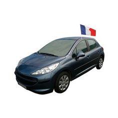 Ce drapeau de la France mesure 30 X 40 cm et se fixe à la voiture grâce à une fixation prévue à cet effet.