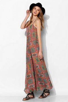Love Sadie Scarf-Print Maxi Dress #UrbanOutfitters