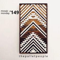 The pallet people transform reclaimed wood into unique and original home decor . Wood Mosaic, Mosaic Art, Wall Design, Design Art, Door Design, Pattern Art, Pattern Ideas, Indoor Crafts, Diy Furniture Decor