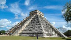 The Chichen Itza pyramid in Yucatan, Mexico is even more impressive in real life. Mexico City, Backpacking, Travel Inspiration, North America, Real Life, Explore, Architecture, Building, Travelling