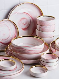 Penelope Collection Pink Marble Dinnerware - Home Decor Dish Sets, Dinnerware Sets, Green Dinnerware, Rustic Dinnerware, Vintage Dinnerware, Vintage Pyrex, Pink Marble, Küchen Design, Kitchen Items
