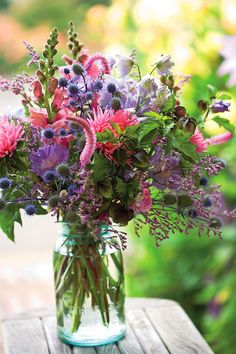 a great cutting garden Tips for making cut flowers last. Plus, a painter's palette of blossoms worthy of a wedding bouquetTips for making cut flowers last. Plus, a painter's palette of blossoms worthy of a wedding bouquet