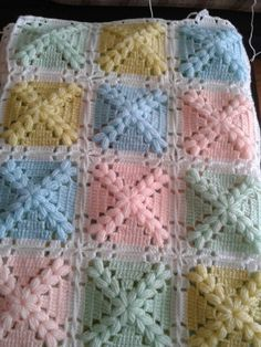 Love scrap use maybe that happens to all old knitters and crocheters lol jh crochet fox crochet gifts love crochet crochet granny crochet squares crochet lace crochet motif crochet stitches crochet patterns – ArtofitCal crochet in boom flower squar Crochet Square Patterns, Crochet Squares, Crochet Blanket Patterns, Crochet Motif, Baby Patterns, Crochet Stitches, Granny Squares, Crochet Daisy, Baby Afghan Crochet