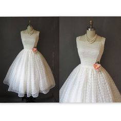 1950's Scalloped Lace Antique White Ivory Tea Length Wedding Dress Gown XS S