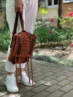Straw Bag, Knit Crochet, Wool, Knitting, Bags, Pom Poms, Spool Knitting, Handbags, Tricot
