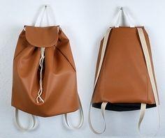 Nähanleitung für einen praktischen Rucksack / diy sewing instruction: backpack made by DIYlabor via DaWanda.com