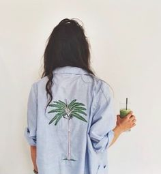 palms and chambray Look Fashion, Fashion Beauty, Womens Fashion, Hipster, Mode Inspiration, Fashion Inspiration, Indie, My Wardrobe, Karl Lagerfeld