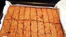 Receita de Barra de cereal caseira, enviada por Dayana - TudoGostoso Banana Bread, Desserts, Food, Homemade Cereal, Homemade Kind Bars, Cereal Bars, Recipes, Tailgate Desserts, Deserts