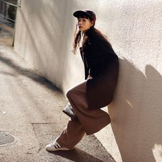 Name: Nairu Yamamoto | 山本奈衣瑠 Occupation: Model | モデル Jacket: STUDIOUS | ストゥディオス Tops: snidel | スナイデル Shoes: adidas | アディダス Cap: Supreme | シュプリーム Bag: Used | 古着 Tokyo Streets, Yamamoto, Japanese Fashion, Fashion Models, Winter Fashion, Normcore, Singer, Poses, Actresses