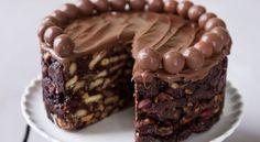 Πανεύκολη σοκολατένια τούρτα ψυγείου