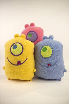 WOO HOO More one eye'd monster colors!!  http://amonstertolove.com/monster-shop/one-eye-monster-guys