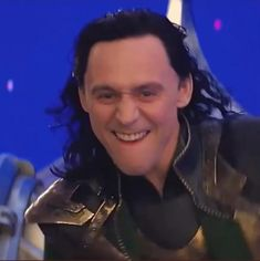 Marvel Avengers Movies, Loki Avengers, Loki Marvel, Loki Thor, Loki Laufeyson, Tom Hiddleston Movies, Tom Hiddleston Loki, Funny Marvel Memes, Funny Reaction Pictures