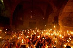 Holy Fire is probably the coolest thing to see in church, ever. 12 Reasons Why Greek Easter Is The Best Easter Doubting Thomas, Holy Saturday, Orthodox Easter, Greek Easter, Jesus Resurrection, Jesus Christ, Orthodox Christianity, Easter Traditions, Holy Week