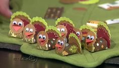 Studio 5 Robert's Craft Thanksgiving Place Cards is part of Thanksgiving crafts Cards - Add a little something special to your Thanksgiving Table this year Robert's Craft has created 4 adorable place card settings you can make at home Thanksgiving Favors, Thanksgiving Place Cards, Thanksgiving Projects, Thanksgiving Parties, Thanksgiving Decorations, Fall Crafts, Halloween Crafts, Holiday Crafts, Holiday Fun