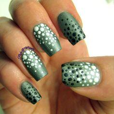 Serene Dots #flightofwimsy #green #whitedots #polish #nailart #fallnails #nailblogger - bellashoot.com