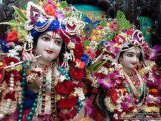 http://harekrishnawallpapers.com/sri-sri-radha-giridhari-close-up-iskcon-mira-road-wallpaper-002/