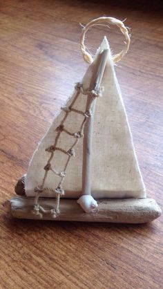 Driftwood sailboat Source by leighanncarrick Sea Crafts, Seashell Crafts, Nature Crafts, Home Crafts, Driftwood Sculpture, Driftwood Art, Driftwood Projects, Beach Wood, Summer Crafts