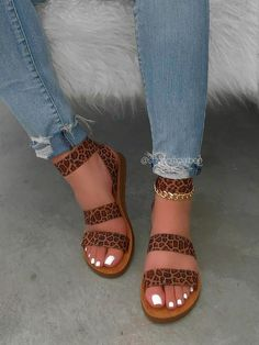 Trendy Sandals, Cute Sandals, Ankle Strap Sandals, Shoes Sandals, Fancy Shoes, Cute Shoes, Me Too Shoes, Cute Flats, Sneakers Fashion