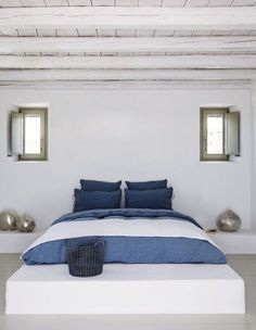Are you looking to brighten up a dull room and searching for interior design tips? One great way to help you liven up a room is by painting and giving it a whole new look. Greek Bedroom, Home Bedroom, Bedroom Decor, Bedroom Signs, Decorating Bedrooms, Master Bedrooms, Bedroom Apartment, Bedroom Ideas, Mediterranean Homes
