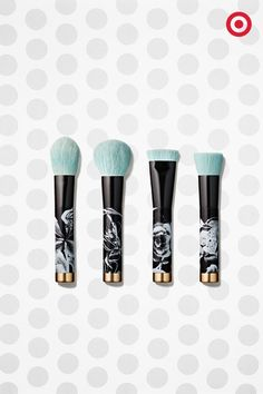 This Sonia Kashuk brush kit is perfect to gift, and almost too pretty to use. With a gorgeous floral pattern and gold detailing, these four powder brushes have flawless covered.